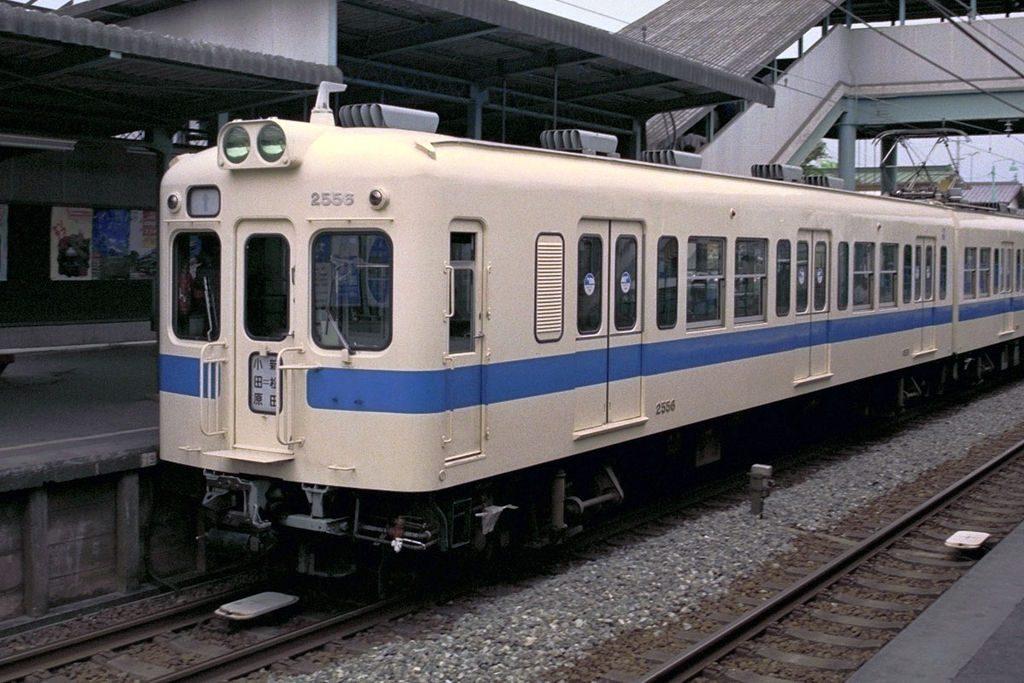 マイクロエース 小田急電鉄2400形 旧塗装 新塗装 2017年10月以降
