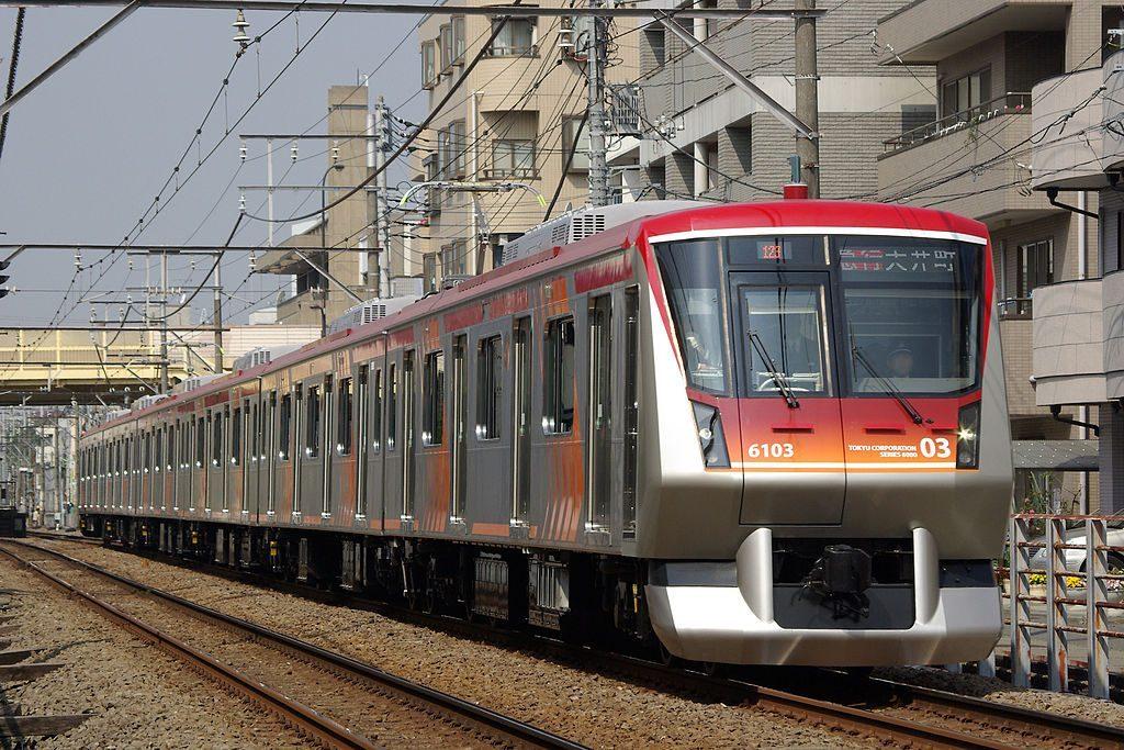 東急電鉄6000系(Photo by:Yaguchi / Wikimedia Commons / CC-BY-SA-3.0-migrated)※画像の車両は商品と仕様が異なる場合があります