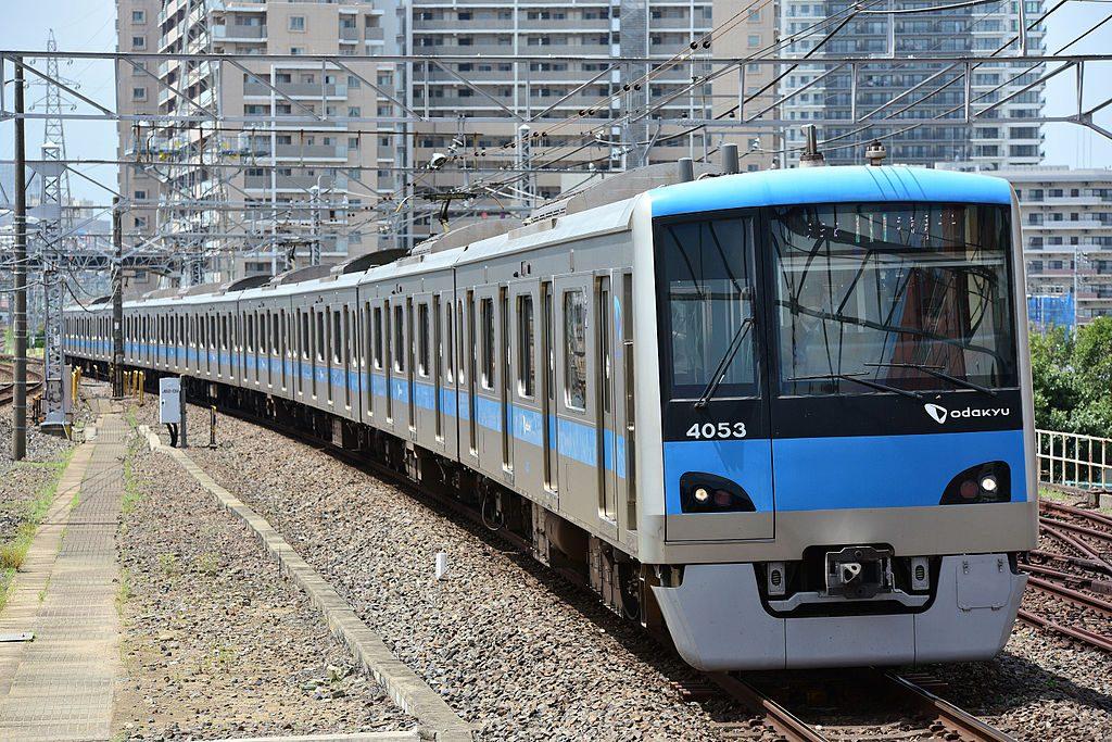 小田急電鉄4000形(Photo by:Cfktj1596 / Wikimedia Commons / CC-BY-SA-4.0)※画像の車両は商品と仕様が異なる場合があります