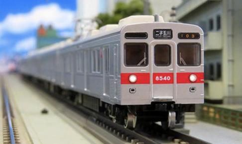 東急電鉄8500系(大井町線・8640編成・赤帯)